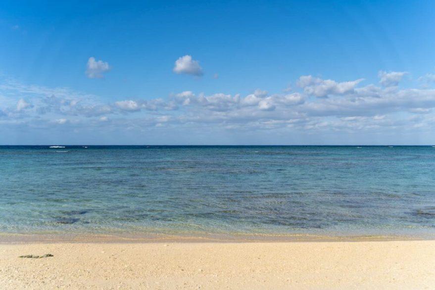 ホテル日航アリビラのビーチ