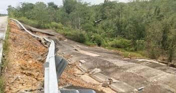 Kawat dan Betol Pembatas Tol Balikpapan-Samarinda Raib