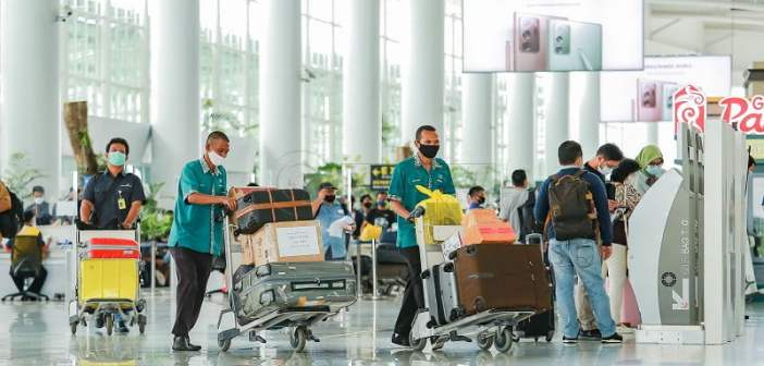 Larangan Mudik, Lion Air Group Setop Penerbangan Reguler Satgas COVID-19 Rilis Addendum, Pengetatan Mudik Mulai Hari Ini hingga 24 Mei mudik lebaran Hoaks! Bandara dan Pelabuhan di Kaltim Ditutup