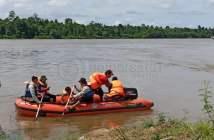 Kejar Perahu Hanyut,