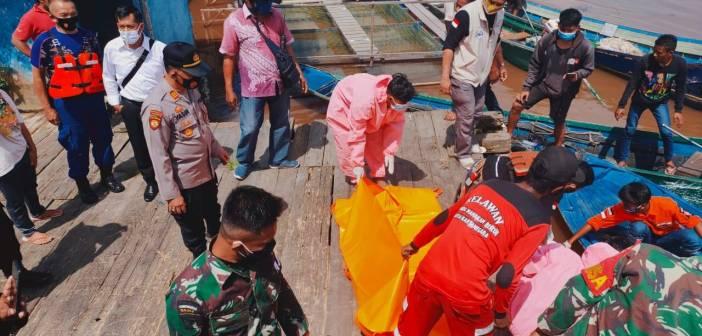 Mayat Berkelamin Pria Ditemukan Mengapung di Perairan Loa Duri