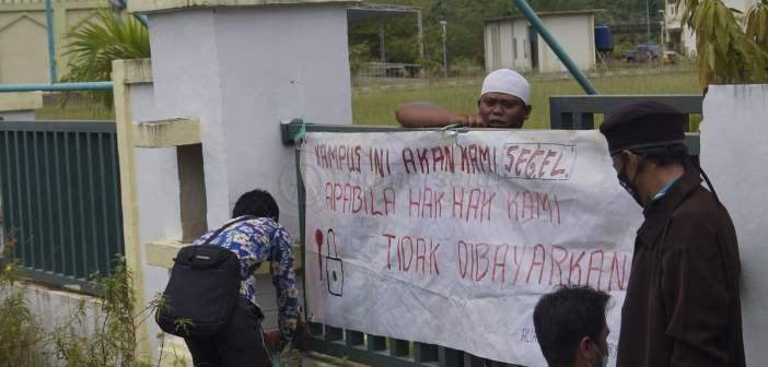 Dosen STAIS Demo Tuntut Gaji