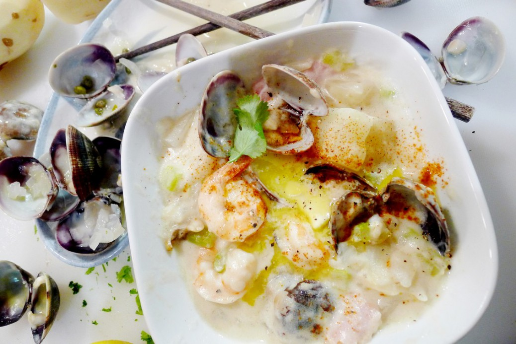 PEI Seafood Clam Chowder Recipe east coast Foodee ChefsBoxChallenge instanomss nomss