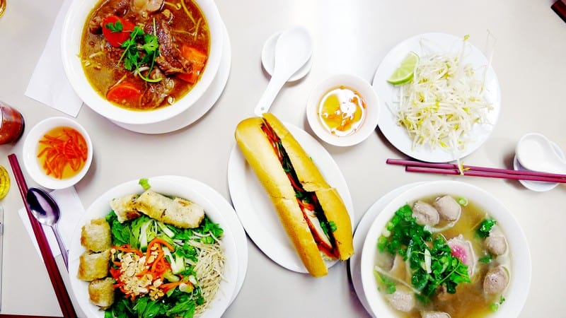 Au Petit Cafe Vancouver Pho banh mi Nomss Instanomss Food Photography Travel Lifestyle Canada