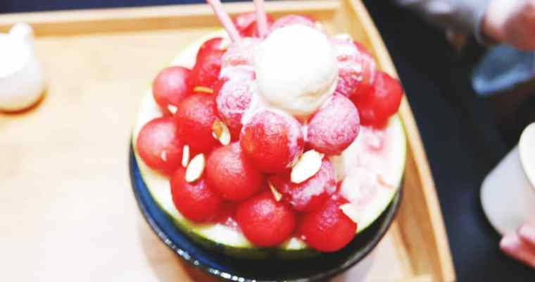 17°C Dessert Cafe Vancouver | Watermelon Shaved Ice Bowls and Light Bulb Drinks 創意冰店