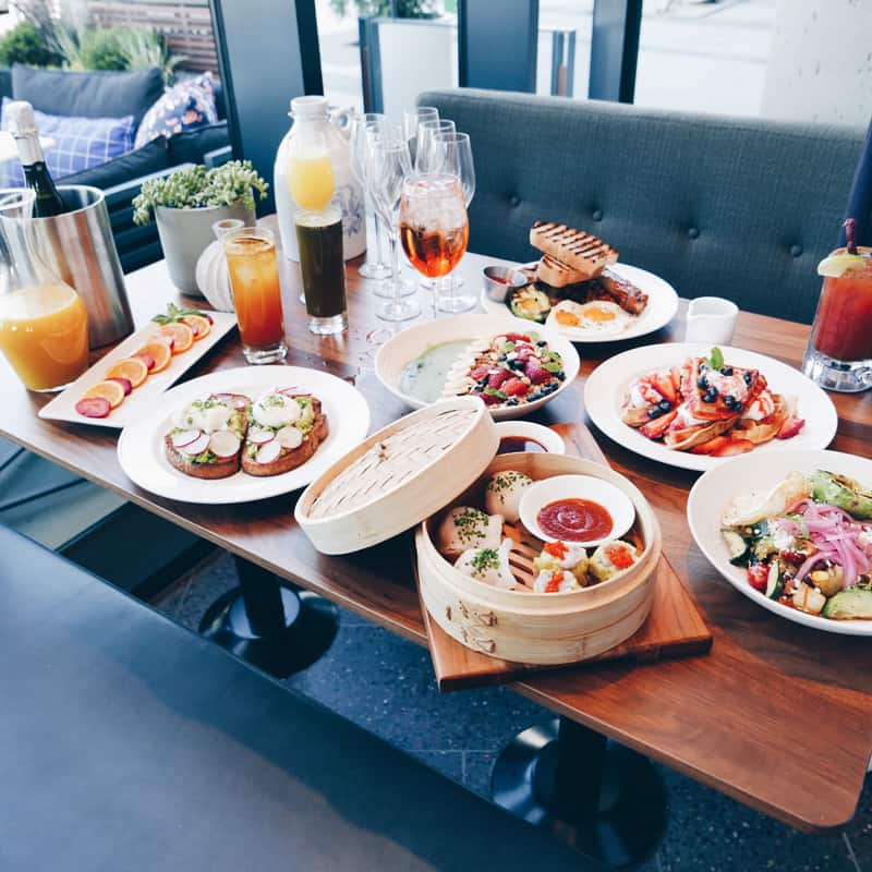 EARLS AMBLESIDE WEST VANCOUVER | $8 BRUNCH MENU
