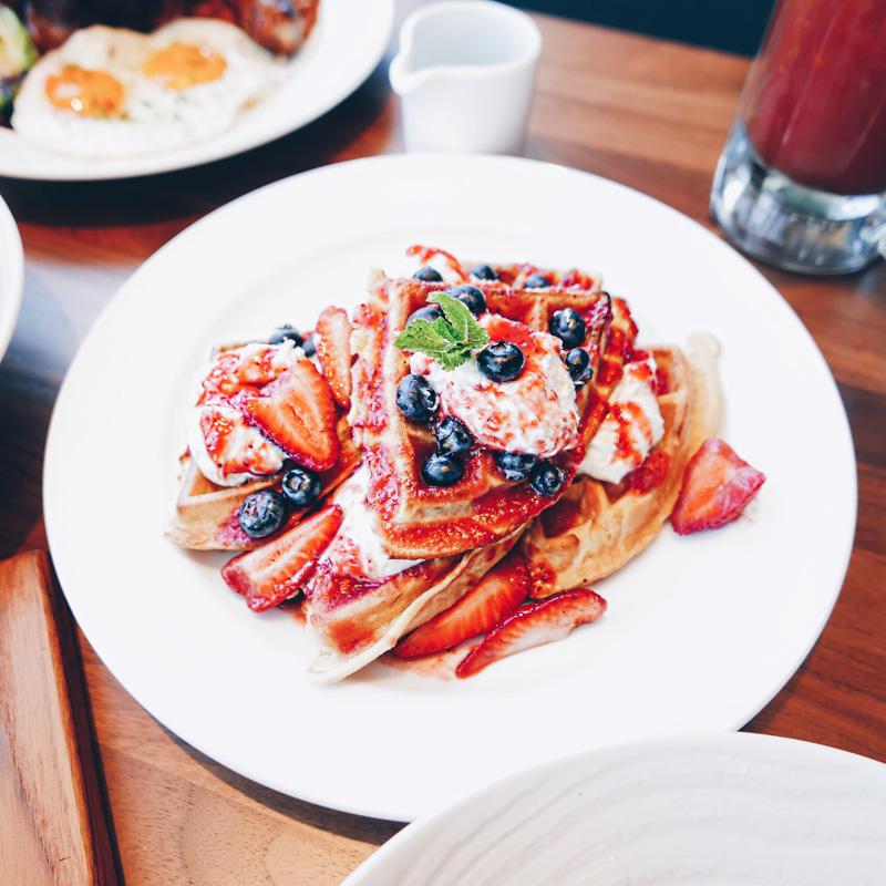 EARLS AMBLESIDE WEST VANCOUVER BRUNCH MENU INSTANOMSS.COM FOOD BLOG
