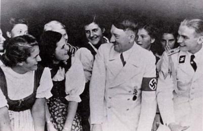 Max sebagai ajudan junior Hitler