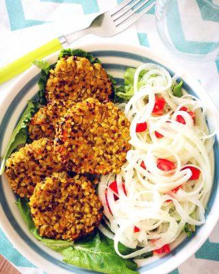 Polpette di quinoa rossa, bulgur, piselli e carote - Non Chiamatela Dieta