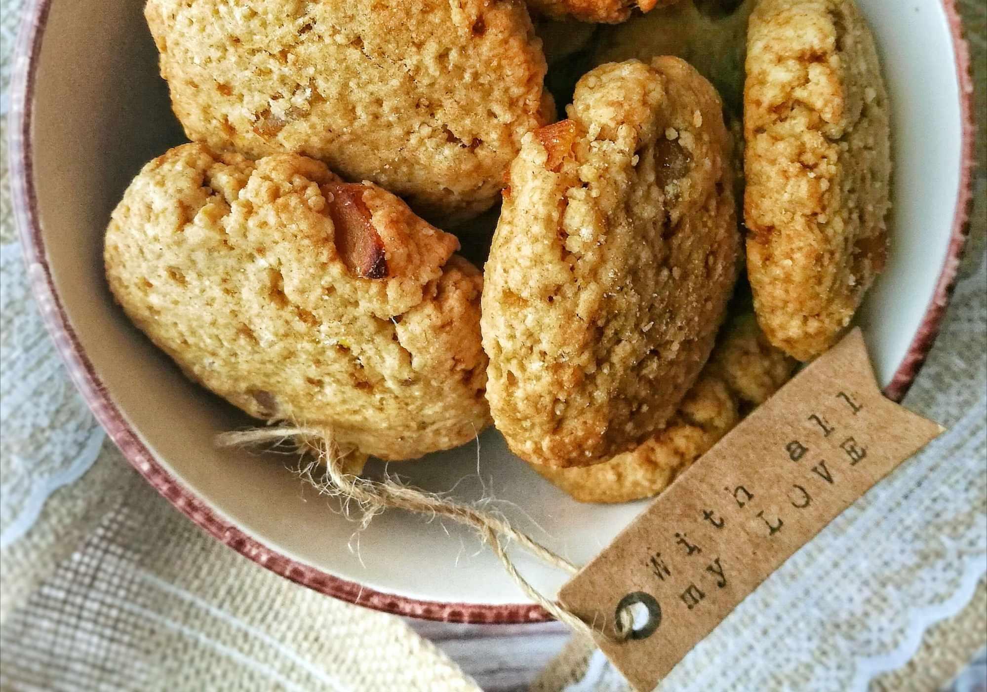 Biscotti di cous cous integrale, al limone ed albicocche secche - Non Chiamatela Dieta