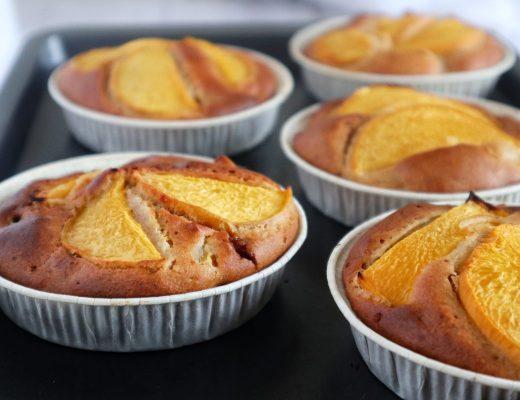 Soffice Torta monoporzione Mandorle e Pesche - Non Chiamatela Dieta