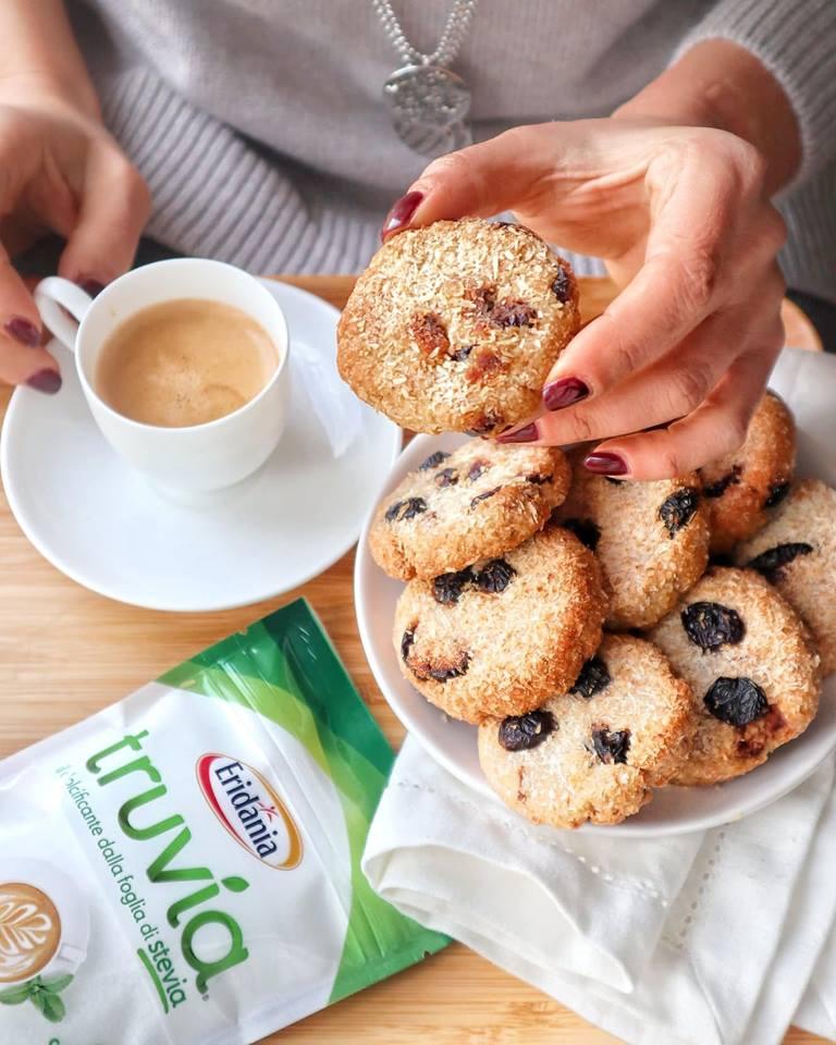 Biscotti cocco, frutti rossi e Truvia - Non Chiamatela Dieta