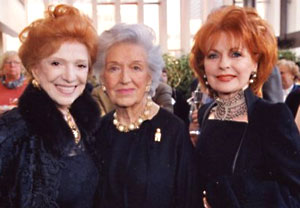 Risë Stevens (c), honorary chairperson of the 2004/05 Career Bridges award program supporting promising young opera singers at the outset of their careers.