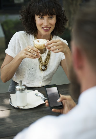 Check Out 6 Things You Should Never Do On Your First Date