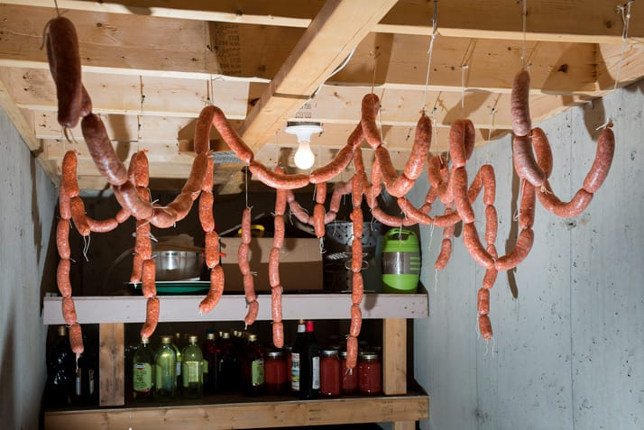 hanging-nduja-to-cure