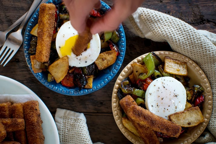 pipi-e-patate-with-eggs-and-polenta-fries