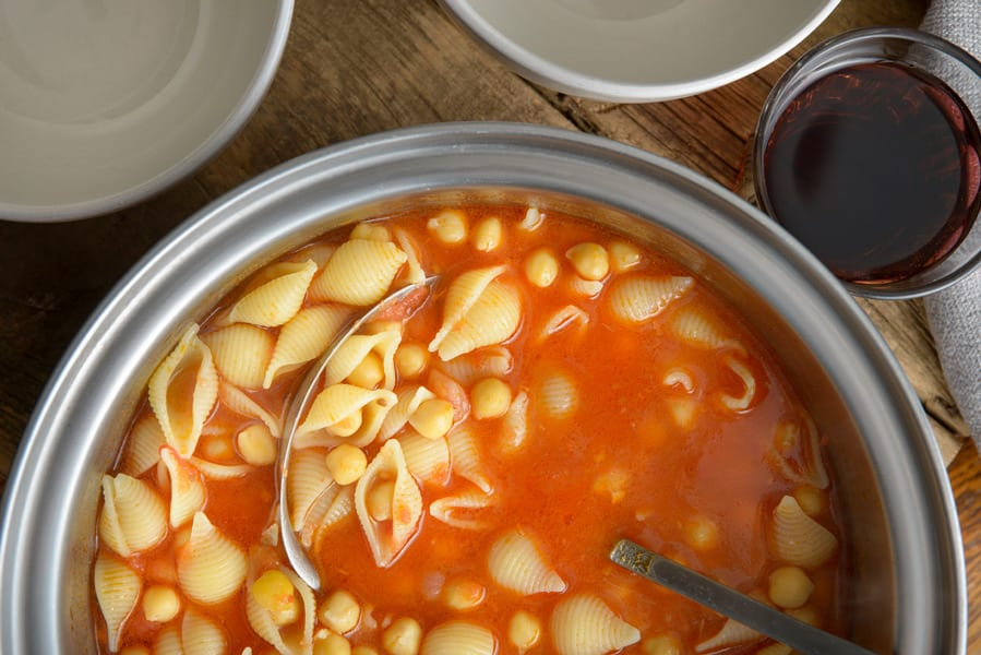 southern italian pasta with chickpeas