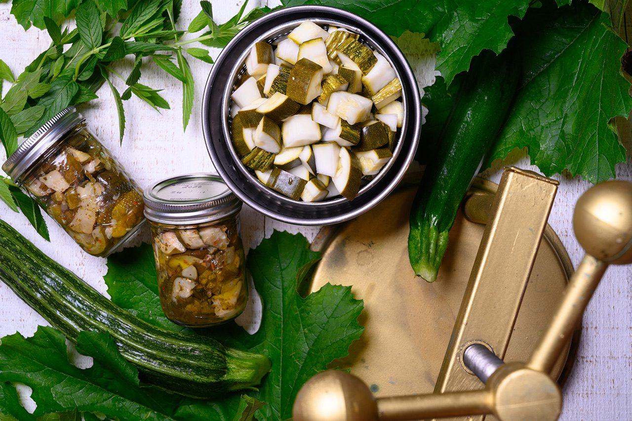 pickled zucchini in oil
