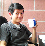 Vu-Le-with-mug-graphic_0