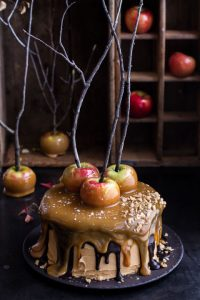 gallery-1438799039-salted-caramel-apple-snickers-cake-1