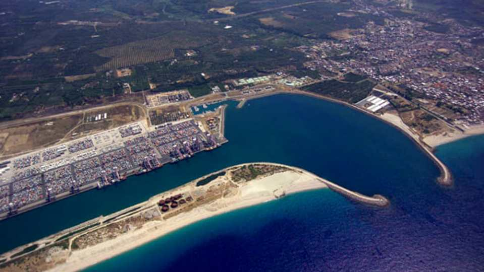 Autorità portuale di Gioia Tauro, niente tasse di ancoraggio durante l'emergenza