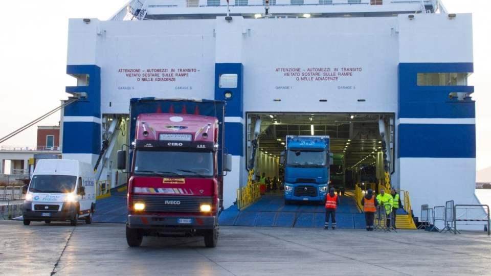 Trasportounito chiede l'apertura h24 di porti e logistica