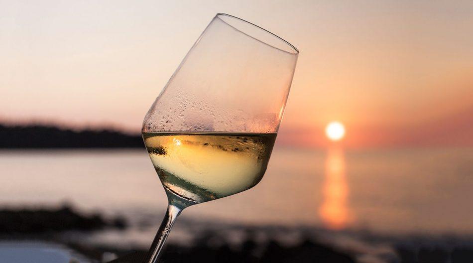 Radici del Sud a Bari, slitta a novembre l'evento dei vini e degli oli del Meridione
