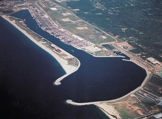 Porto di Gioia Tauro, per la Regione è la grande scommessa della Calabria