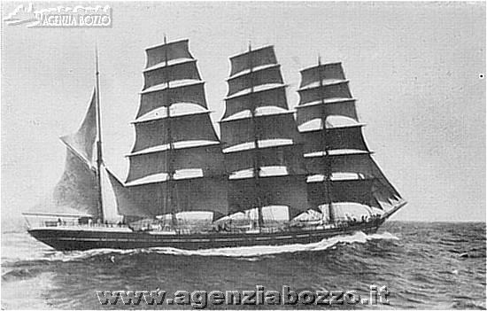 La nave a palo Regina Elena, icona delle vecchie vele