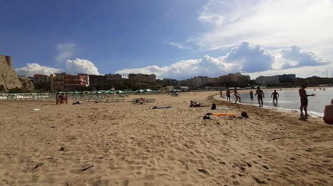 Spiagge libere a Termoli, il servizio salvamento affidato a ditta di Pescara