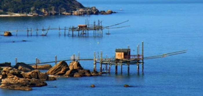 abruzzo, la costa dei trabocchi