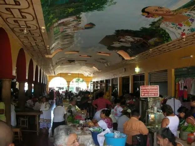 Il mercato coperto di Muna