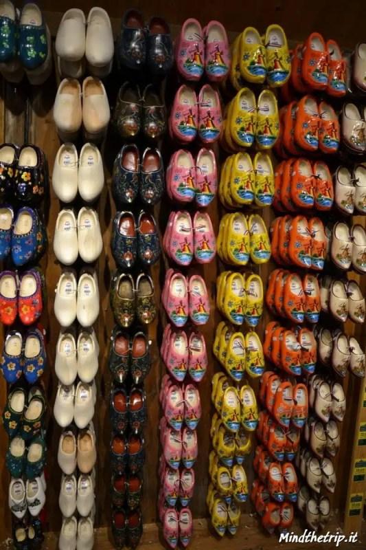 La fabbrica di zoccoli