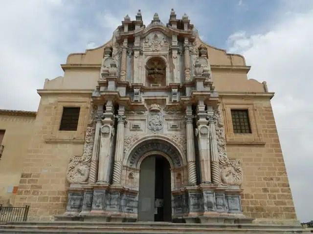 Santuario_de_la_Santisima_y_Vera_Cruz_2 [640x480]
