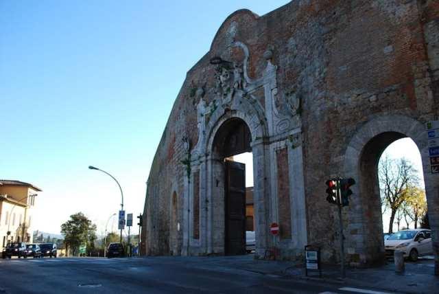Porta Camollia - Siena, Italia