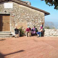 Il fascino di Todi è dovuto anche alle sue gradevoli piazze antiche.