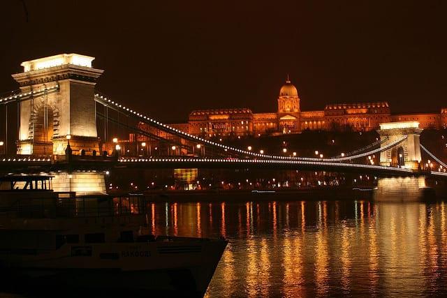 Budapest di notte (foto di zsoolt)