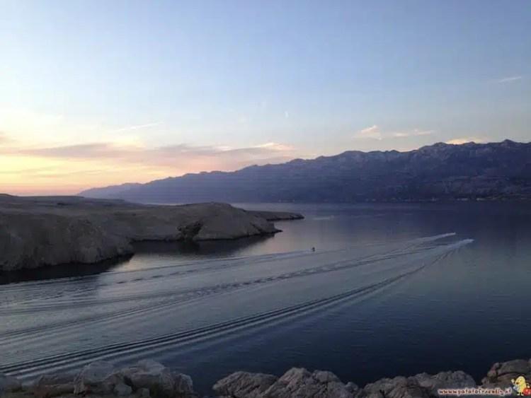 Pag ed il massiccio del Velebit