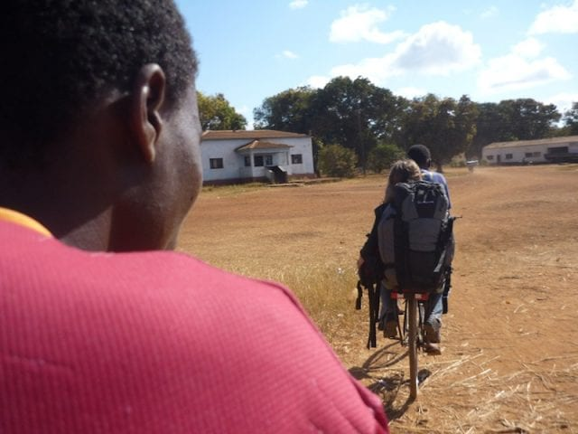 Crossing borders on the road – From Malawi to Mozambique