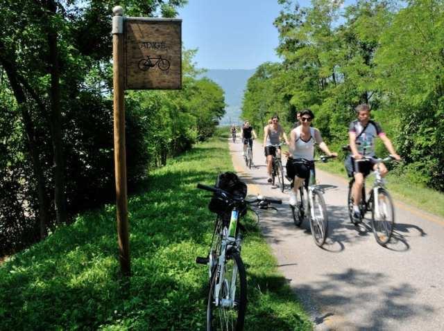 Cicloturismo - Trentino, Italia
