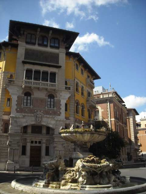 Palazzo del Ragno, Quartiere Coppedé - Roma, Italia