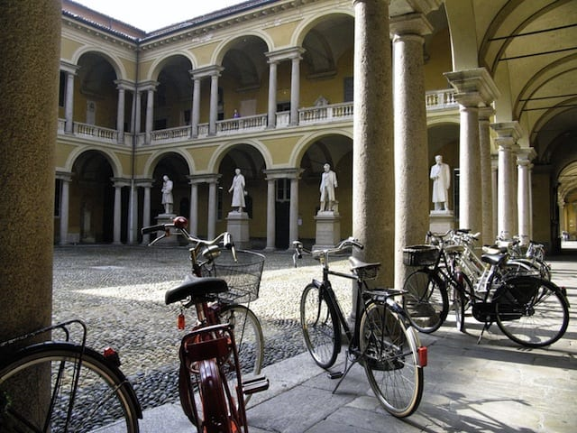 Università - Pavia, Italia