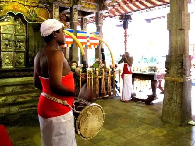 Tempio del Sacro Dente - Kandy, Sri Lanka
