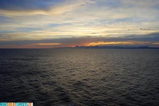 In nave, Tangeri-Genova