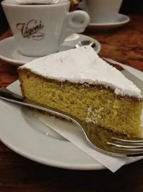 Torta paradiso - Pavia, Italia