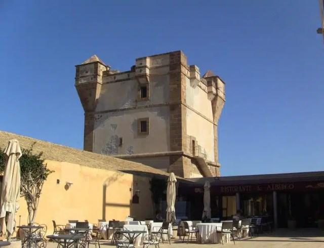 Torre saracena - Bonagia, Sicilia, Italia