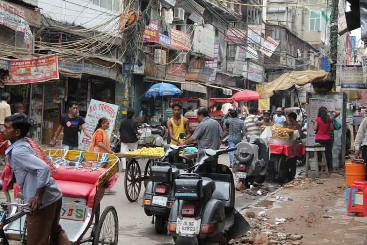 Dehli  povertà e crisi