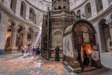 interno basilica Santo Sepolcro