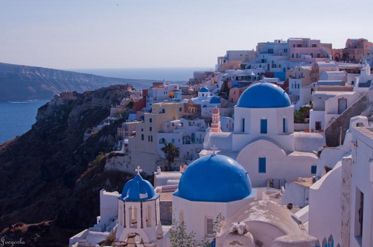 volare-verso-Santorini-e-la-Sicilia