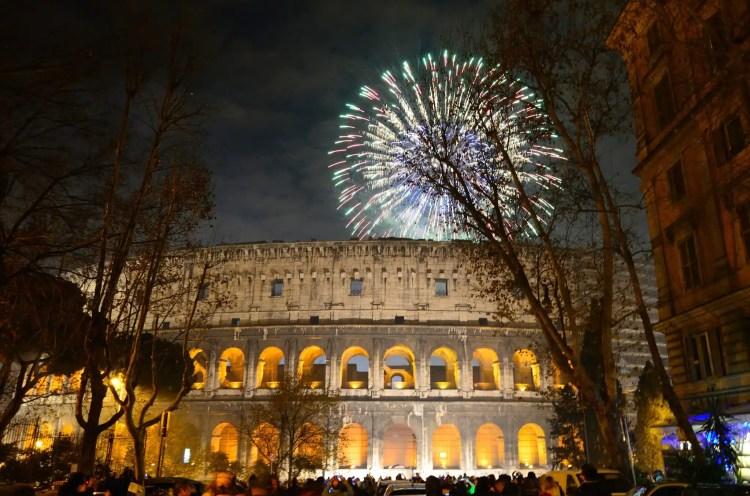 Rome Colosseum capodanno 2014 fireworks